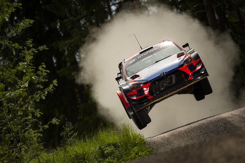 Hyundai i20 Coupe WRC - Flying