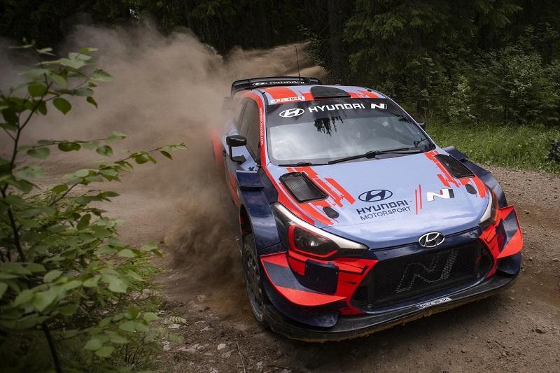 Hyundai i20 Coupe WRC - Sideways