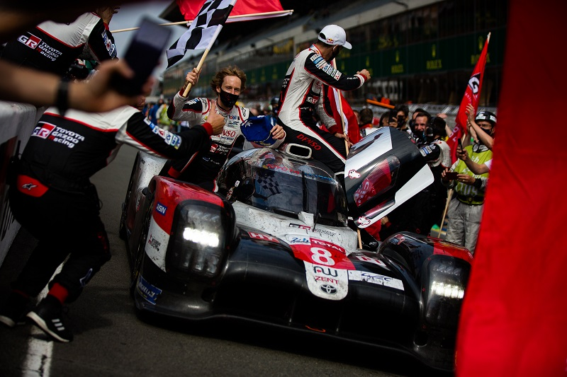 Brendon Hartley, Sebastien Buemi and Kazuki Nakajima celebrating their overall victory at the 2020 24 Hours of Le Mans.