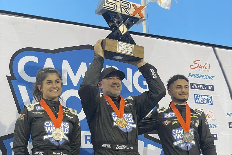 SRX co-founder Tony Stewart wins inaugural dirt race at Knoxville - The Checkered Flag